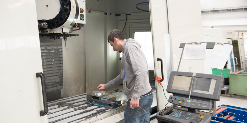 Hurco 3-axis CNC milling machines at Midlands Precision Tool & Die